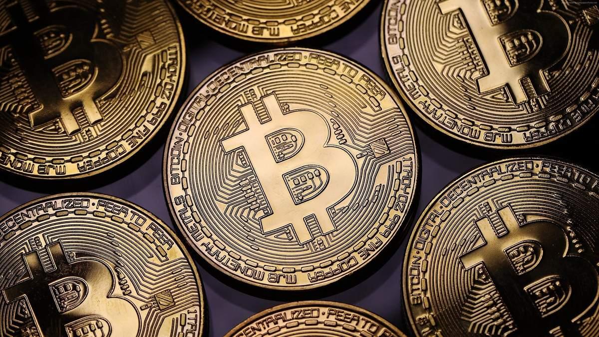 Біткойн vs золото: як ціни криптовалюти й металу взаємопов'язані – графік