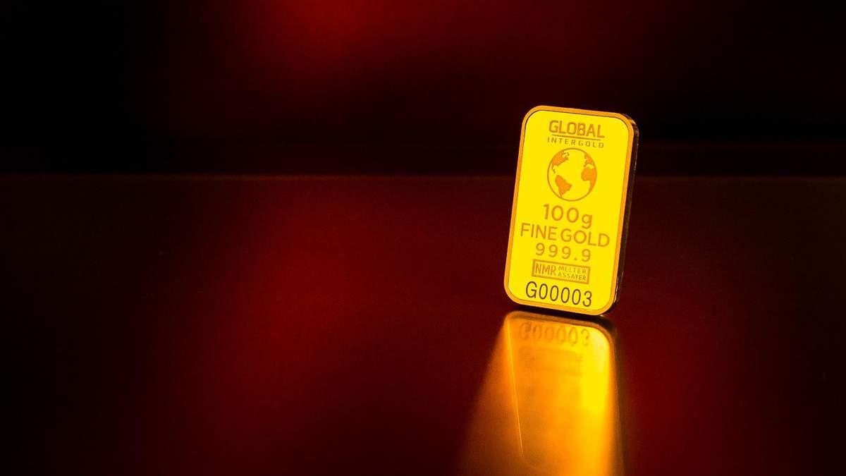 Як змінилася ціна золота після обвалу фондових ринків та економічного прогнозу ФРС