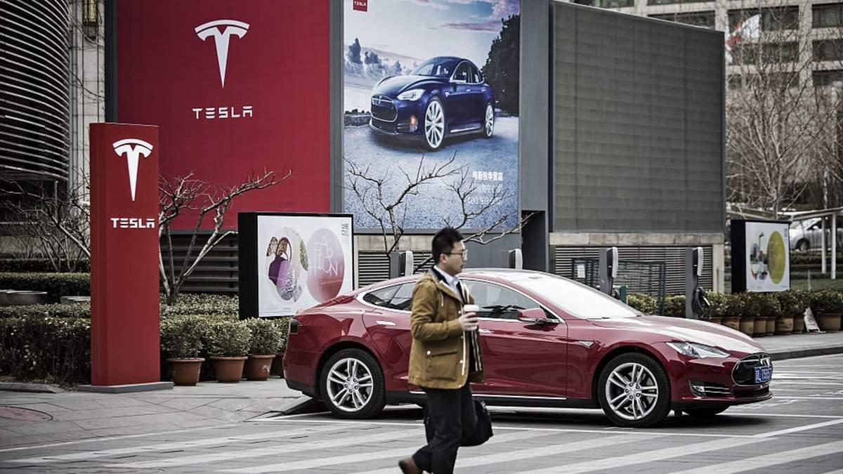 Tesla подала в суд проти адміністрації Трампа: до чого тут Китай