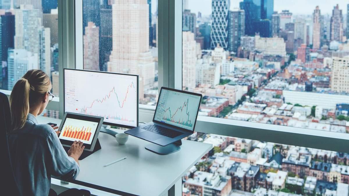 Як коливання індексу S&P 500 може вплинути на курс гривні: прогноз експертів