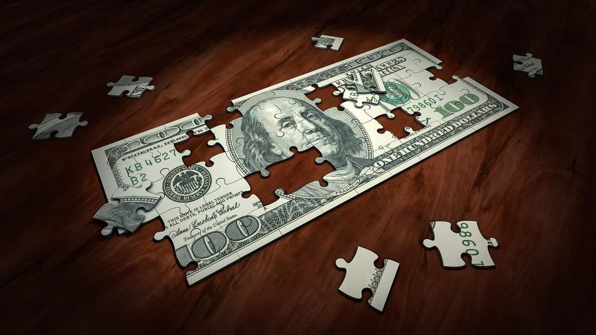 Доллар резко обвалится и статус резервной валюты его не спасет, – американский эксперт