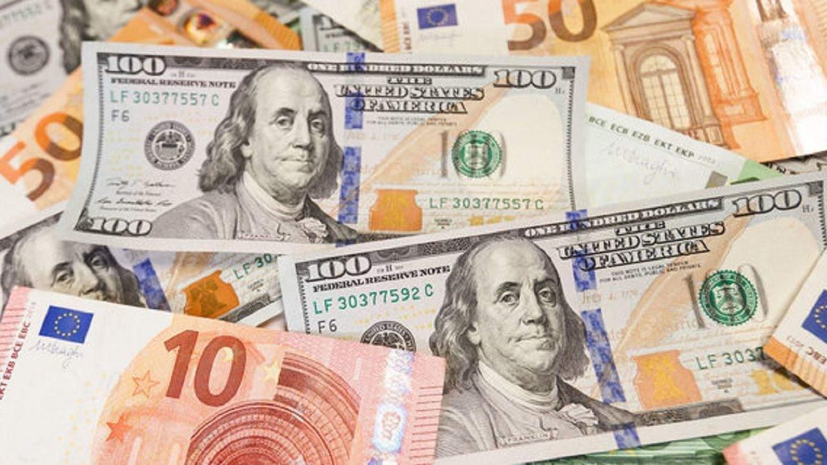 Готівковий курс валют 6 жовтня: долар майже на місці, євро подорожчало