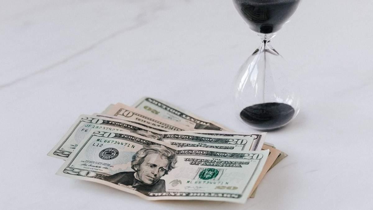Курс валют на 3 листопада: за добу долар подорожчав ще більше, євро теж почало зростати