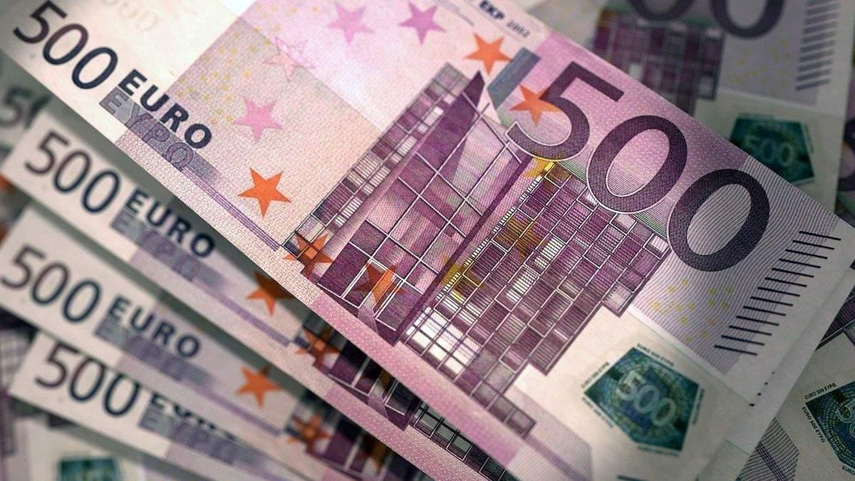 Курс валют на 17 ноября: доллар продолжает падать, евро демонстрирует рост