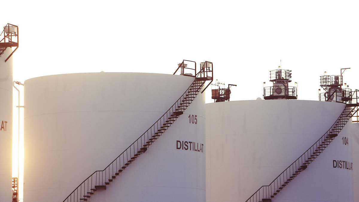 Ціни на нафту різко впали після звіту API щодо запасів сировини у США: що відомо