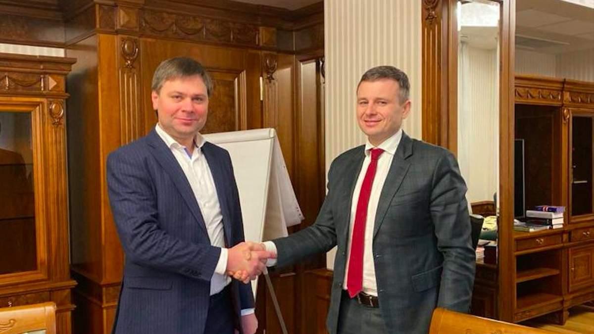Голова УФЖК Василь Шкураков і міністр фінансів Сергій Марченко