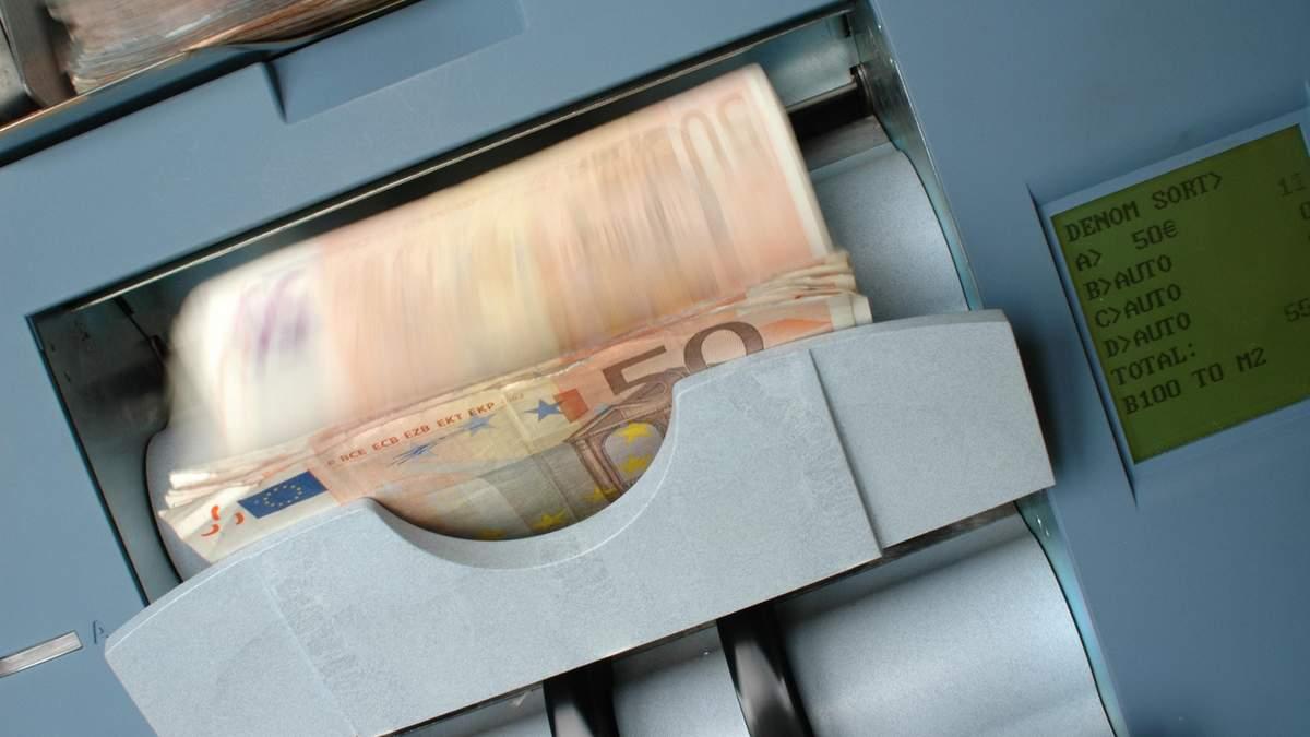 Нацбанк увеличил е-лимит на некоторые валютные операции – сумма