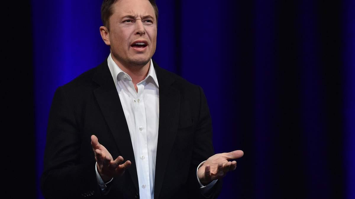 На Илона Маска подал в суд инвестор Tesla: причина