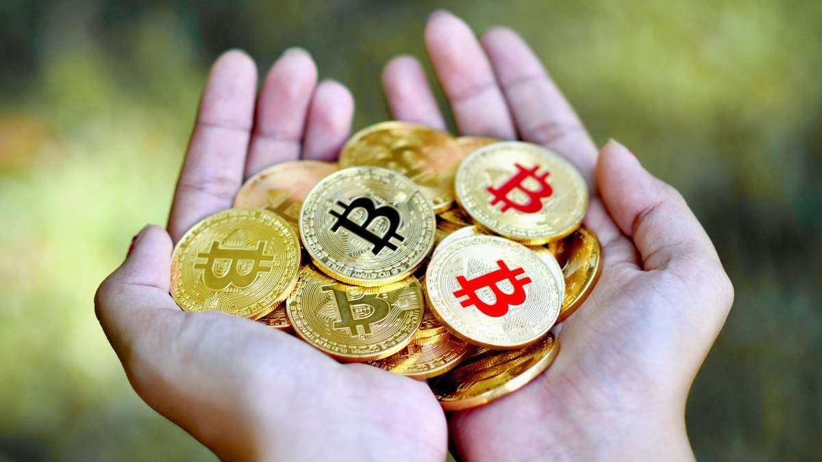 Роберт Кийосаки посоветовал покупать биткоин, золото и серебро в 2021