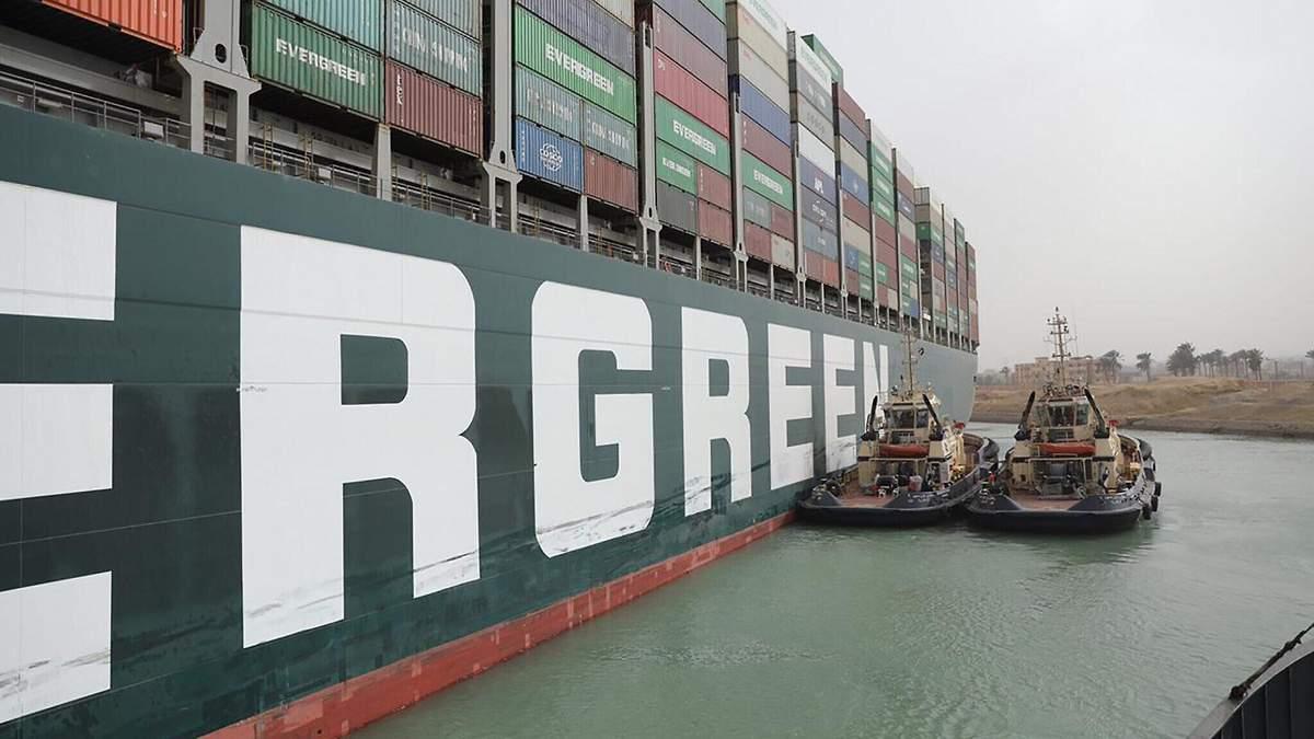 Блокировка Суэцкого канала наносит огромные убытки ежедневно