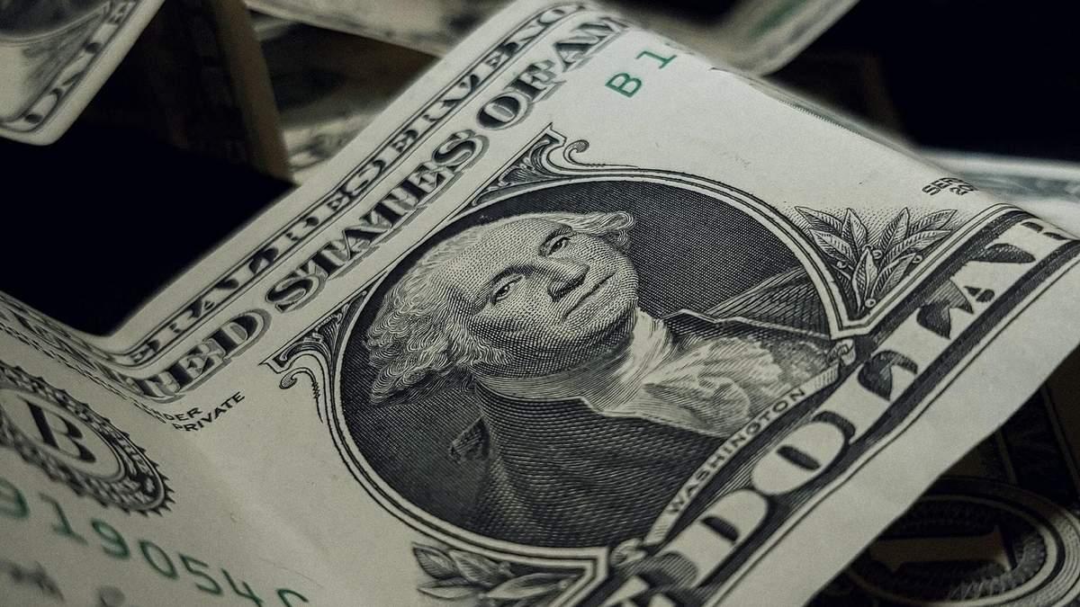 Украинцы стали чаще продавать валюту