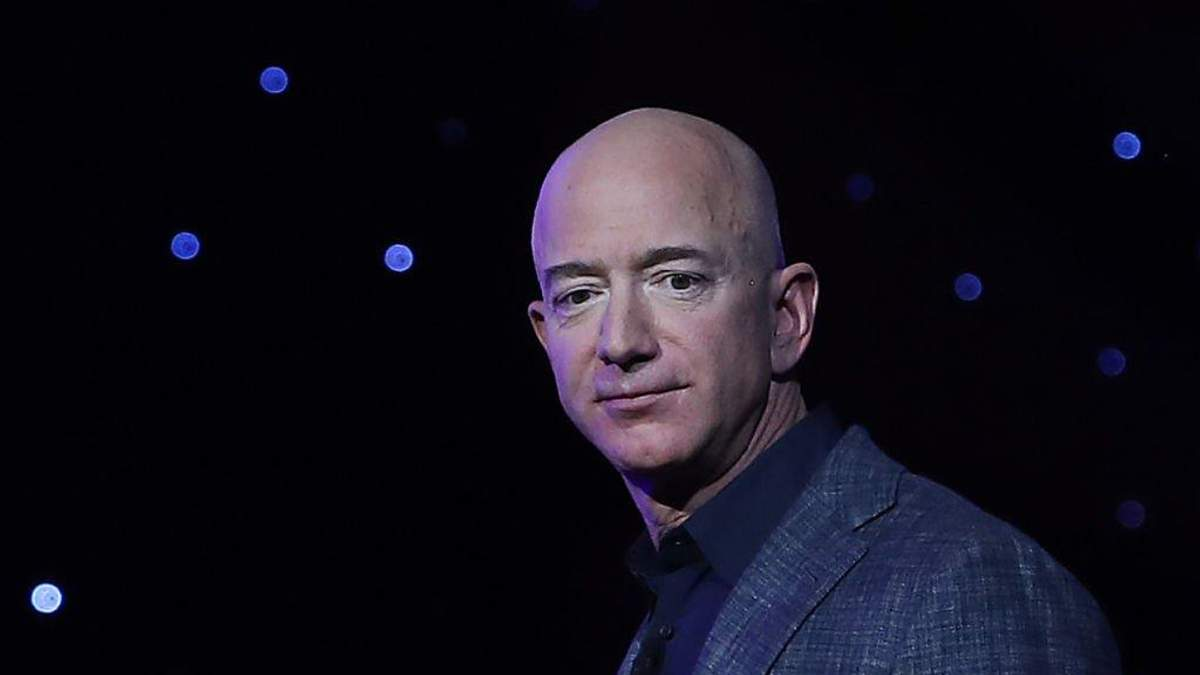 Джефф Безос продав акції Amazon на 2,5 мільярда