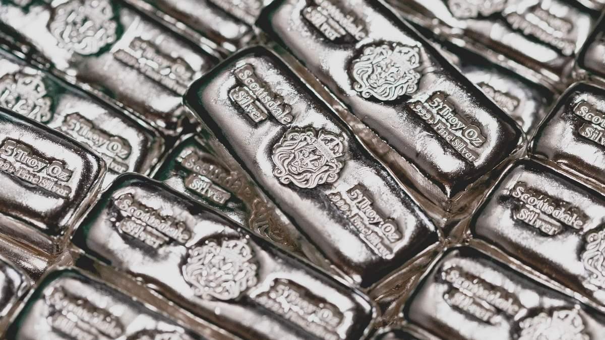 Світ переживає глобальний дефіцит срібла