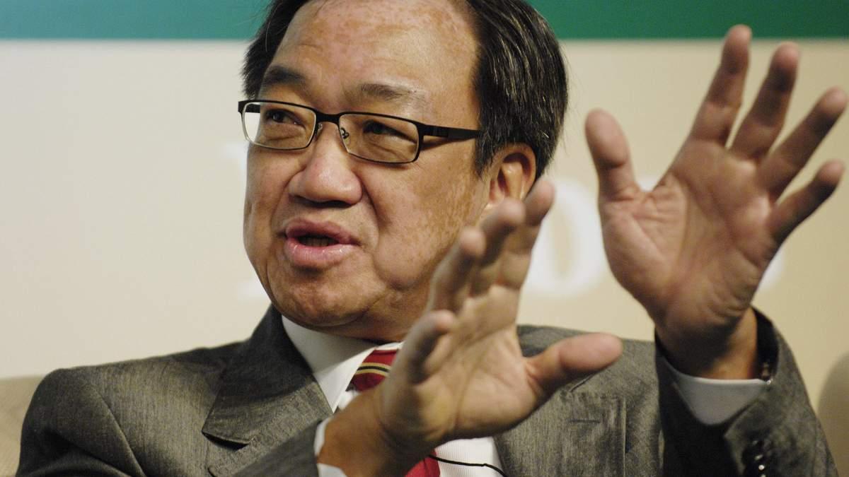 Врач из Сингапура стал миллиардером