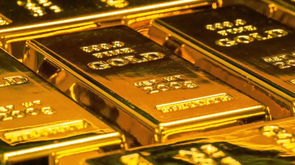 Долар злетів до дев'ятимісячного максимуму: як це вплинуло на вартість золота - Фінанси