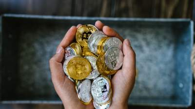 Пристрасті навколо криптовалют: експерти назвали головні переваги грошей майбутнього