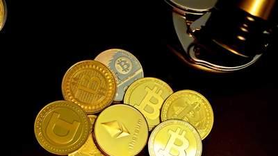 Біткойн та Ethereum почали стрімко падати в ціні: головна причина обвалу