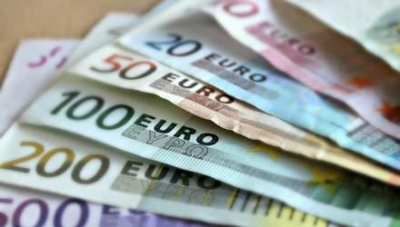 Курс валют на 16 лютого: євро і долар стрімко дорожчають