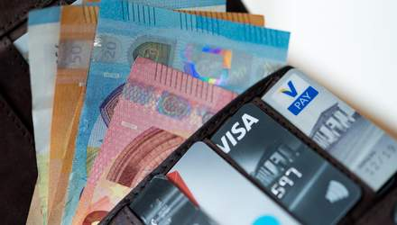 Готівковий курс на 17 лютого: долар виріс в ціні, євро – подешевшало