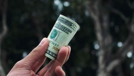 Долар знову по 28: чого чекати від курсу гривні цього тижня