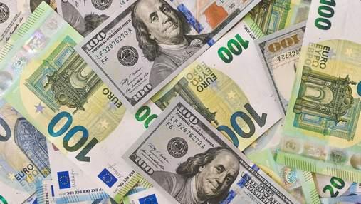 Сколько стоят доллар и евро: курс валют на 15 сентября